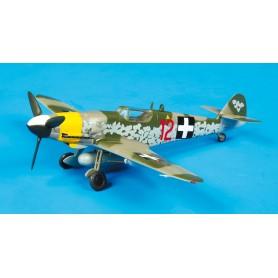 Plane plastic Model - Messerschmitt 12 Red - Hongrie 1945 - Easy Model 1/72