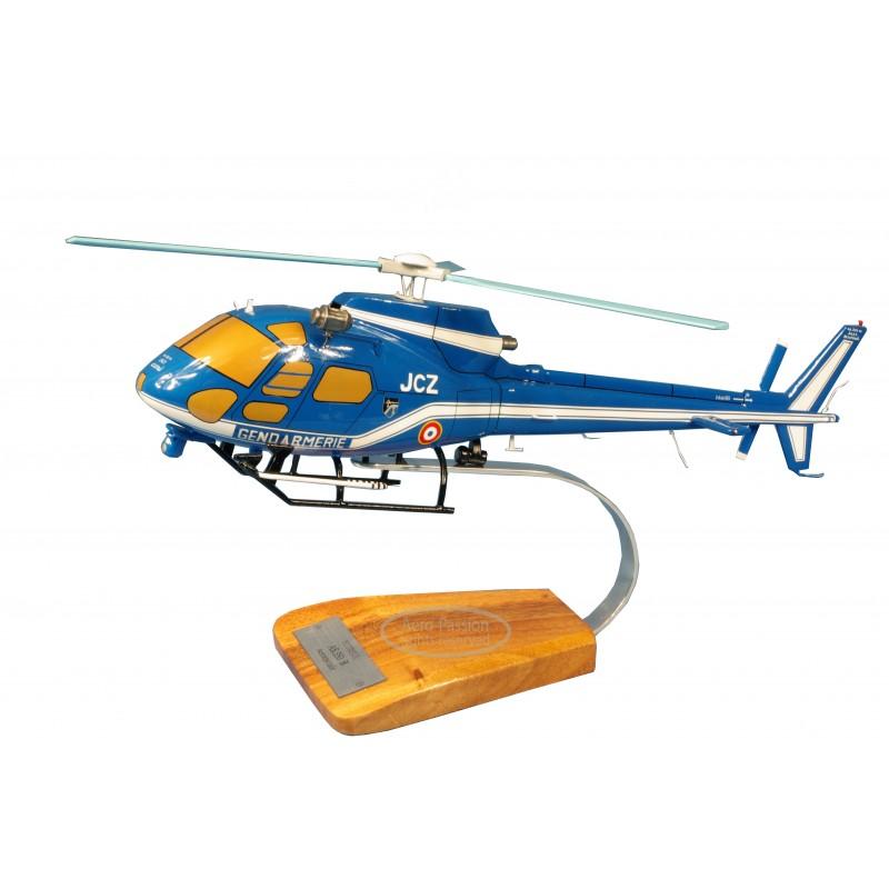 maquette helicoptere - EC135 Gendarmerie