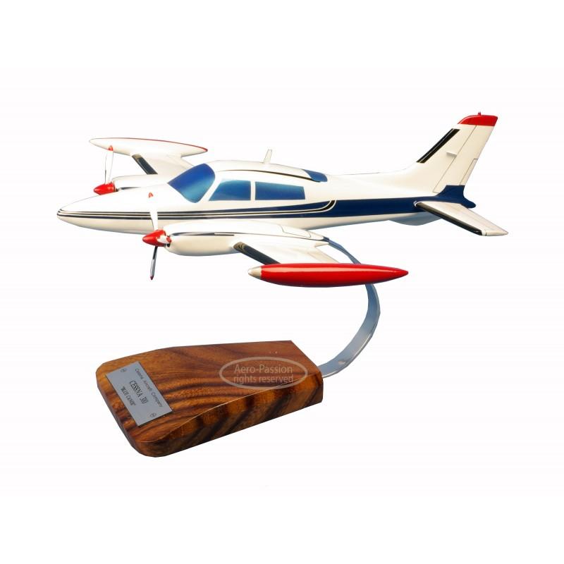 maquette avion - Cessna 310