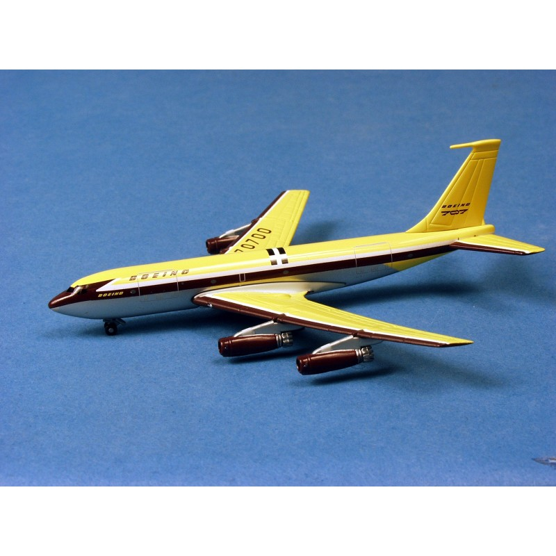 Boeing 367-80 w/Tin Box - Dragon Wings 1/400