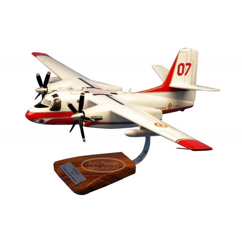 plane model - Grumman Tracker S-2T Turbo Firecat Sécutité Civile plane model - Grumman Tracker S-2T Turbo Firecat Sécutité Civil