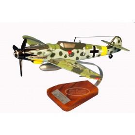 modelo de avião - Messerschmitt BF-109G6 E.Hartmann