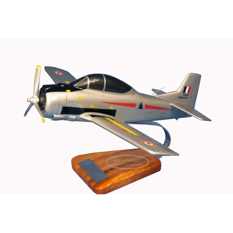 modelo de avião - T-28 Fennec modelo de avião - T-28 Fennecmodelo de avião - T-28 Fennec