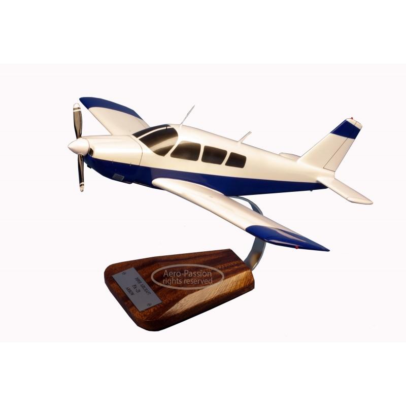 modelo de avião - Piper PA-28 Arrow modelo de avião - Piper PA-28 Arrowmodelo de avião - Piper PA-28 Arrow