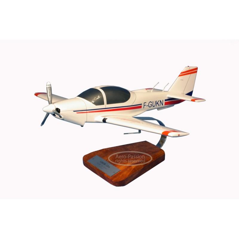 modelo de avião - Grob 120A-F modelo de avião - Grob 120A-Fmodelo de avião - Grob 120A-F