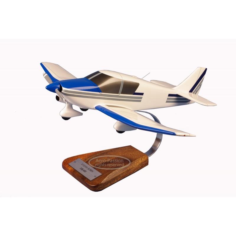modelo de avião - Robin DR400 modelo de avião - Robin DR400 modelo de avião - Robin DR400