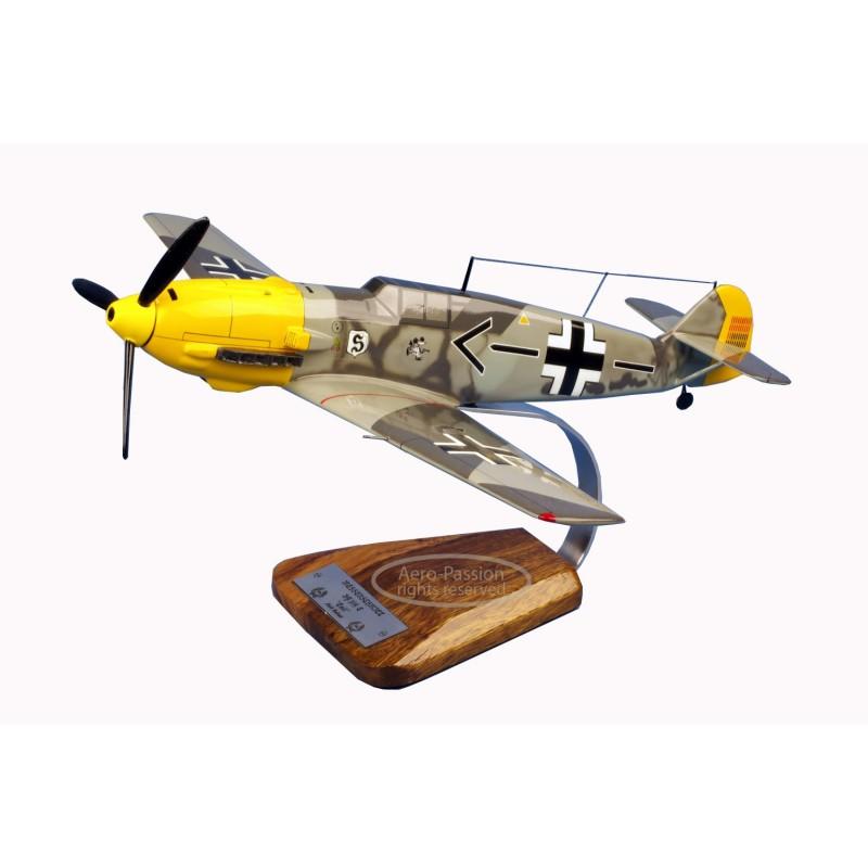 modelo de avião - Messerschmitt Bf.109E-4 Emil 'Adolf Galland' modelo de avião - Messerschmitt Bf.109E-4 Emil 'Adolf Galland'mod