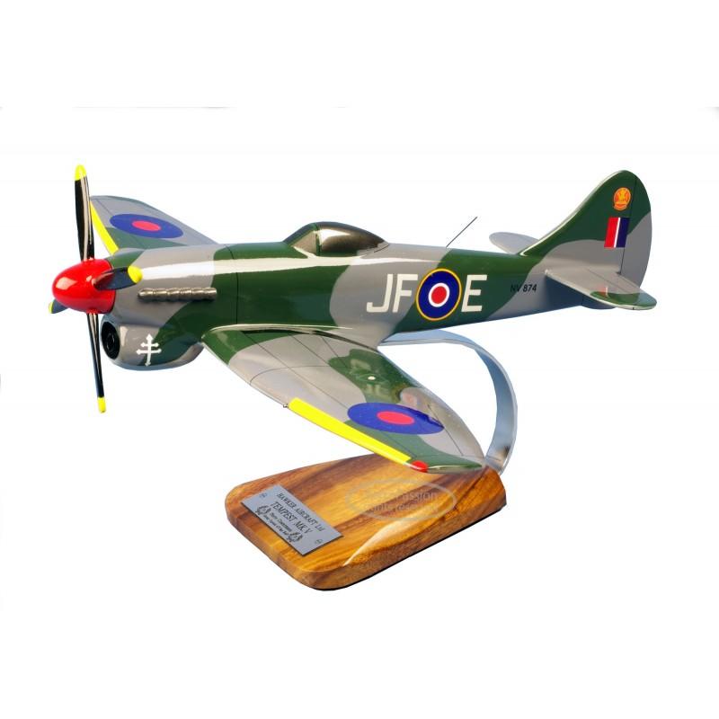 modelo de avião - Tempest MK.V - Clostermann modelo de avião - Tempest MK.V - Clostermannmodelo de avião - Tempest MK.V - Closte