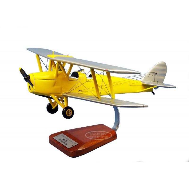 plane model - De Havilland DH.82 Tiger Moth plane model - De Havilland DH.82 Tiger Mothplane model - De Havilland DH.82 Tiger Mo