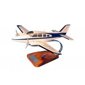 modello di aeroplano - Beech 58 Baron modello di aeroplano - Beech 58 Baronmodello di aeroplano - Beech 58 Baron