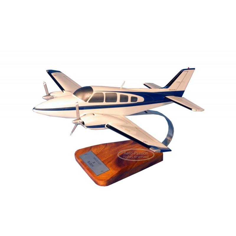 modelo de avião - Beech 58 Baron modelo de avião - Beech 58 Baronmodelo de avião - Beech 58 Baron