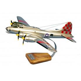 plane model - B-17G Flying Fortress 550thBS-385thBG Betty Jo