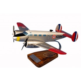 Flugzeugmodell - Beech 18 Expeditor Flugzeugmodell - Beech 18 ExpeditorFlugzeugmodell - Beech 18 Expeditor
