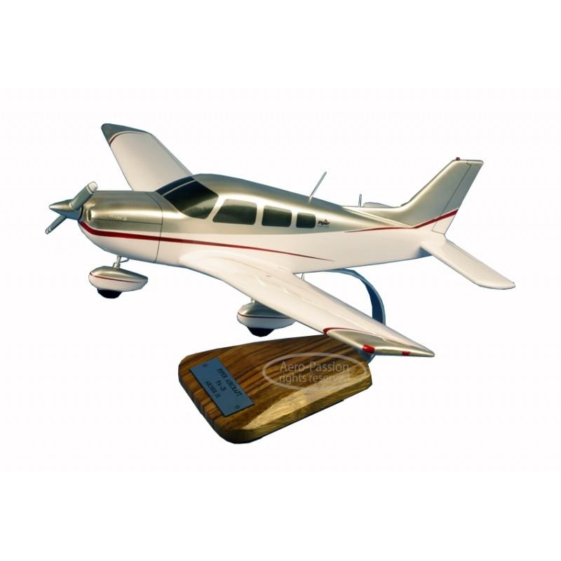 maquette avion - Piper PA-28 Archer III maquette avion - Piper PA-28 Archer IIImaquette avion - Piper PA-28 Archer III